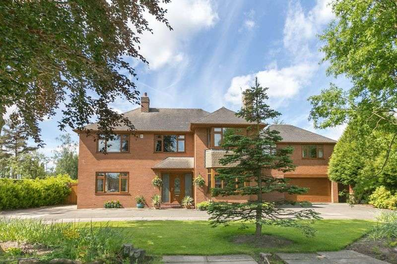 6 Bedrooms Detached House for sale in Junction Lane, Burscough, L40 5SS