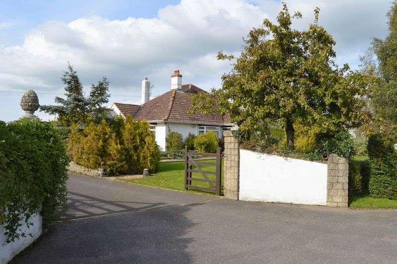 3 Bedrooms Detached Bungalow for sale in Moorside, Sturminster Newton