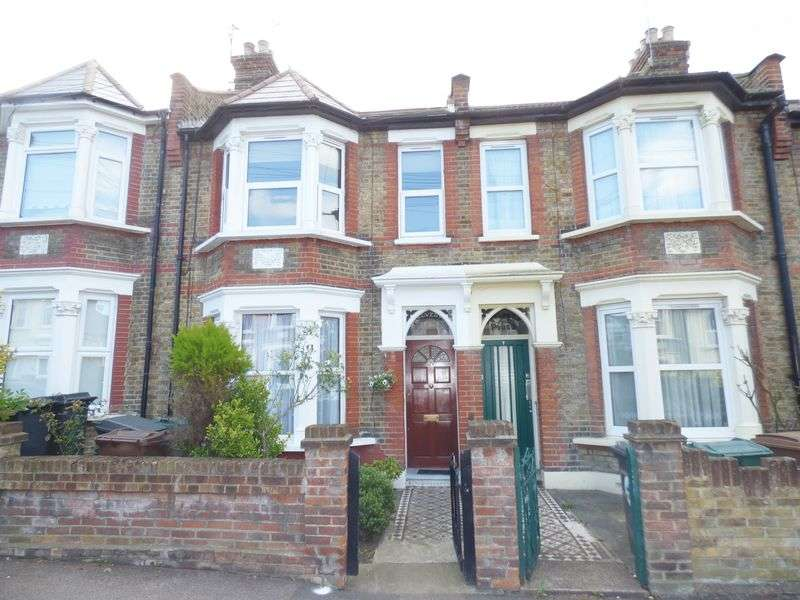 1 Bedroom Flat for sale in Cavendish Road, Highams Park E4 9NQ