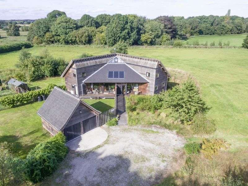 4 Bedrooms Detached House for sale in Beccles