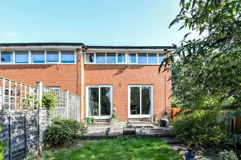 2 Bedrooms End Of Terrace House for sale in Bennett Close, Northwood
