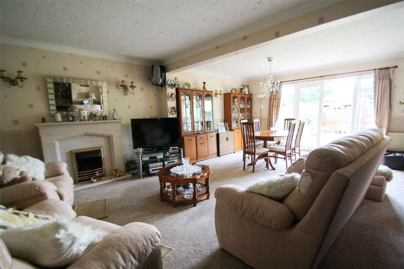 3 Bedrooms Bungalow for sale in Norlands Lane, Thorpe, Egham, TW20