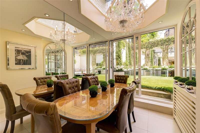 3 Bedrooms Maisonette Flat for sale in Flood Street, London, SW3