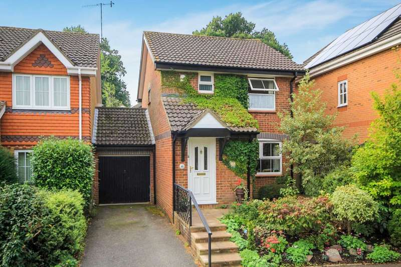 3 Bedrooms Detached House for sale in Betjeman Way, Hemel Hempstead