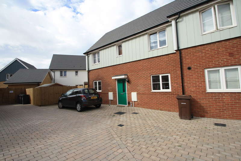 3 Bedrooms Semi Detached House for sale in Grangewick Road, Woodside