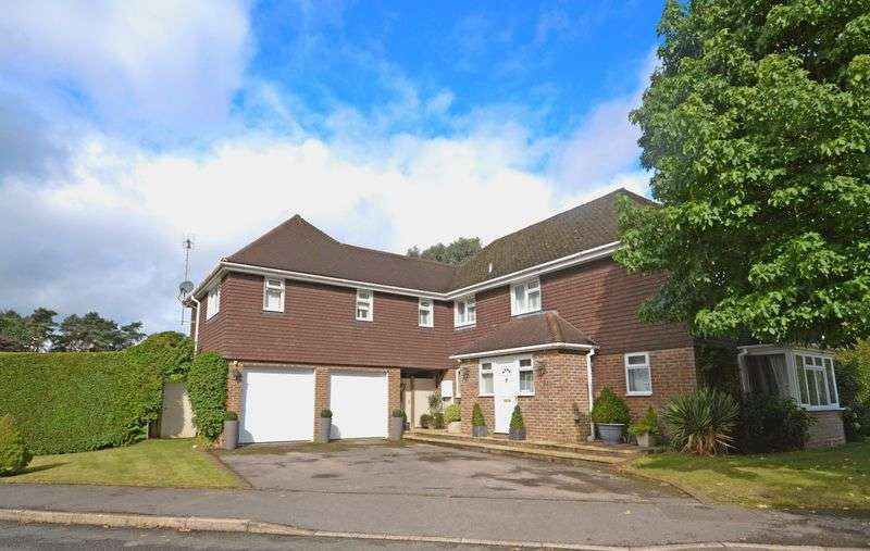 6 Bedrooms Detached House for sale in Tudor Close, Grayshott
