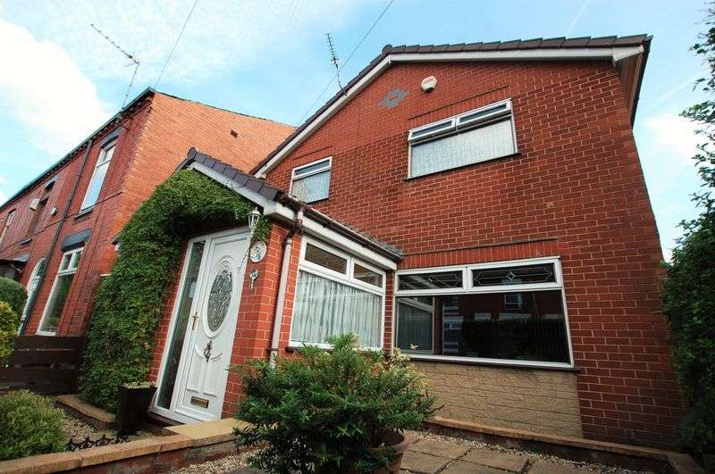 3 Bedrooms Detached House for sale in Carlton Street, Bolton