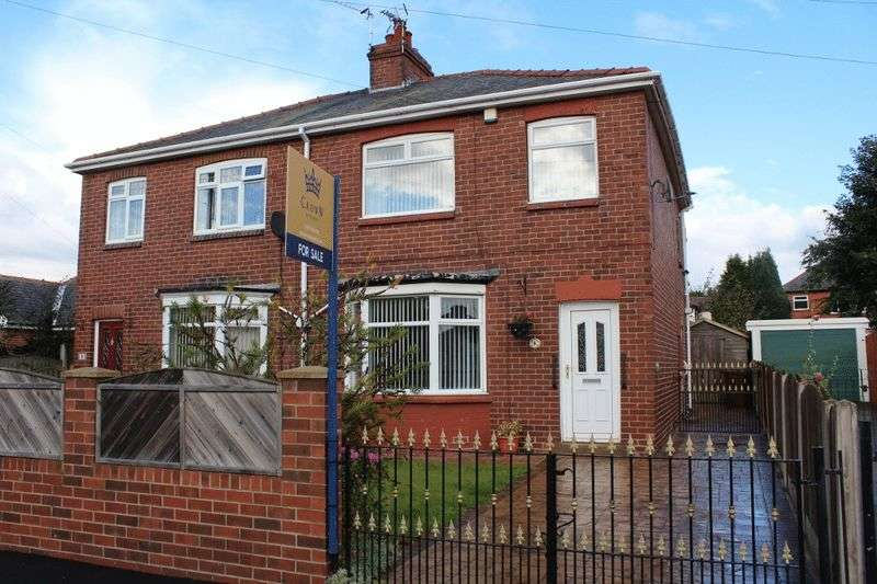 3 Bedrooms Semi Detached House for sale in Hartley Park View, Pontefract