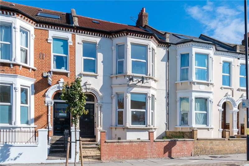 2 Bedrooms Flat for sale in Tooting Bec Road, London, SW17