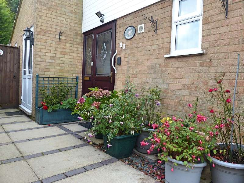 2 Bedrooms Semi Detached Bungalow for sale in Wingfield , Orton Goldhay, Peterborough, PE2 5TH