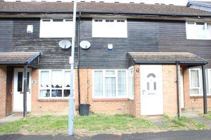 2 Bedrooms Terraced House for sale in Hainault, Ilford