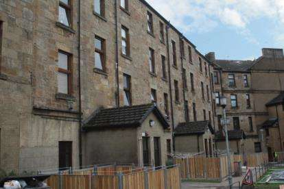2 Bedrooms Flat for sale in Angus Street, Springburn