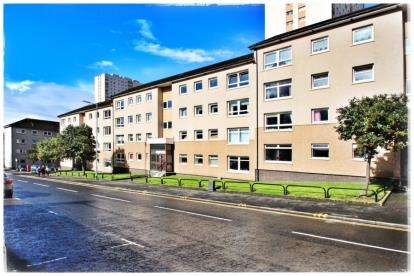 4 Bedrooms Flat for sale in St Mungo Avenue, Townhead, Glasgow