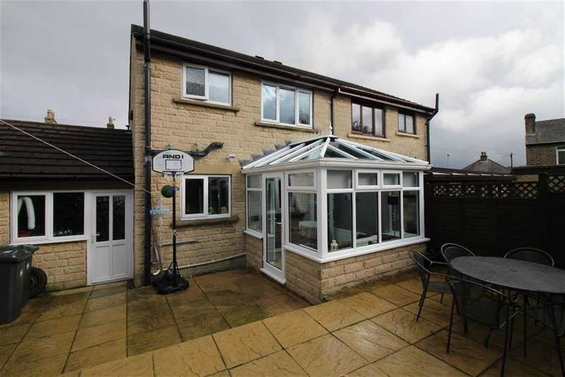 3 Bedrooms Property for sale in Taylor Street, Golcar, Huddersfield
