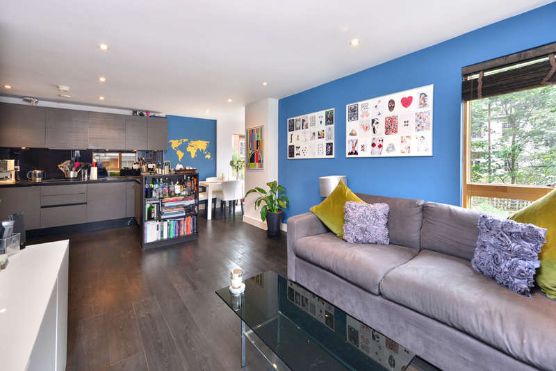 2 Bedrooms Flat for sale in Drummond Way, N1 1NR