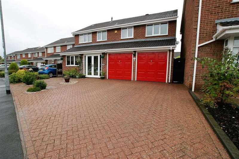 4 Bedrooms Detached House for sale in Constance Avenue, Trentham, Stoke on Trent