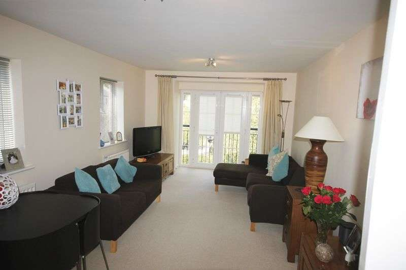 2 Bedrooms Flat for sale in Eastcliff, Portishead