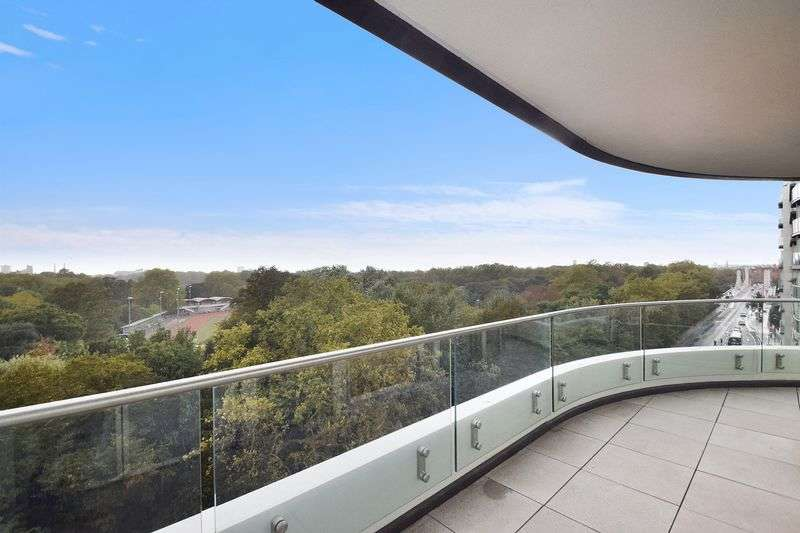 3 Bedrooms Flat for sale in Cascade House in Vista, 348 Queenstown Rd, Chelsea SW8