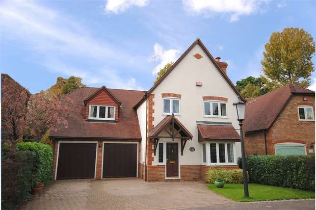 5 Bedrooms Detached House for sale in Phoebes Orchard, Stoke Hammond, Buckinghamshire