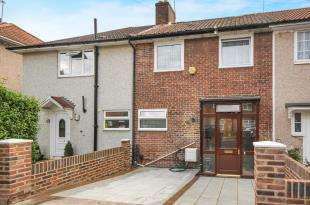 3 Bedrooms Terraced House for sale in Oakridge Road, Bromley, .