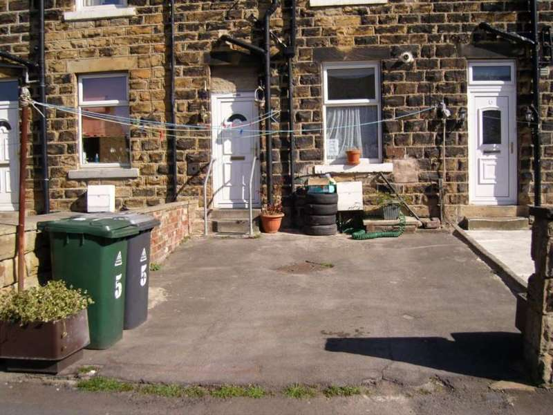 4 Bedrooms Terraced House for sale in Park View, Dewsbury