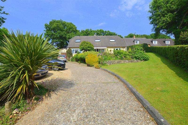 4 Bedrooms Chalet House for sale in Sleight Lane, Corfe Mullen, Wimborne