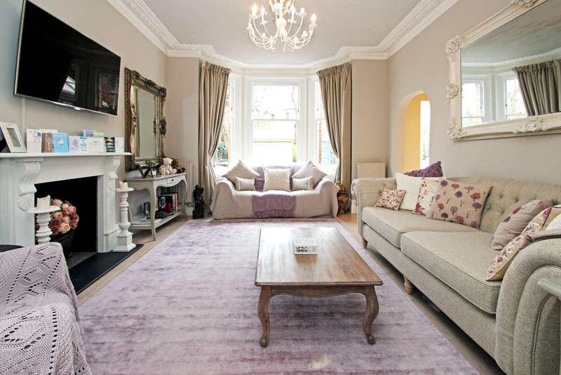 2 Bedrooms Flat for sale in Parklands, Surbiton