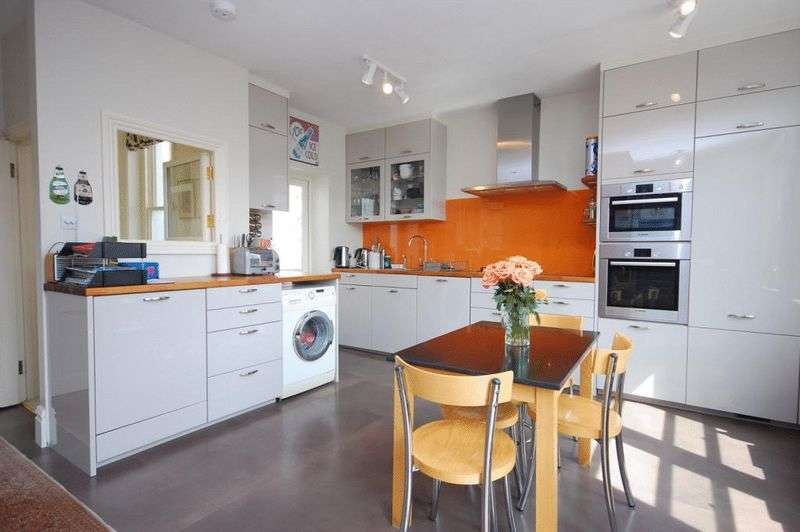 4 Bedrooms Flat for sale in Elgin Avenue, London