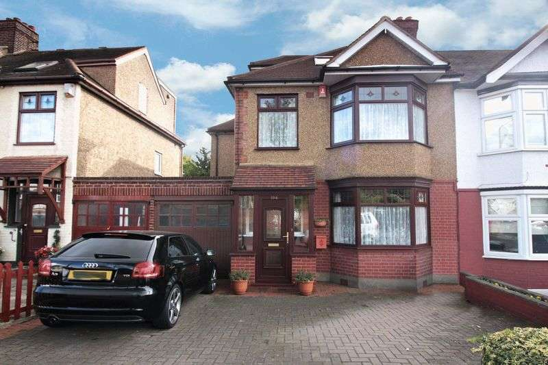 4 Bedrooms House for sale in Buckhurst Way, Buckhurst Hill