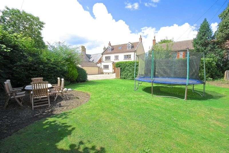 5 Bedrooms House for sale in Ditcheat - Between Castle Cary, Glastonbury and Shepton Mallet.