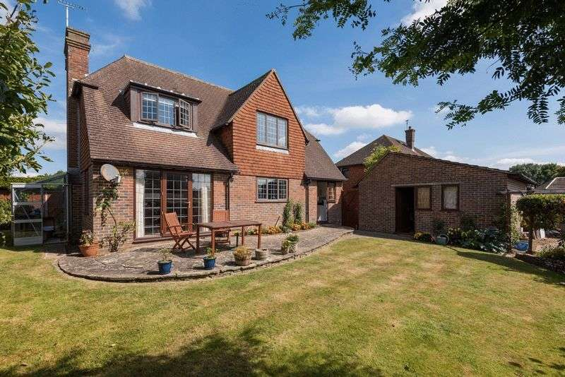 4 Bedrooms Detached House for sale in Wickham Drive, Hurstpierpoint, West Sussex,
