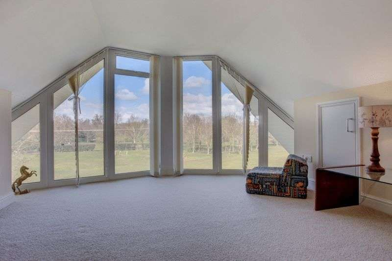 5 Bedrooms Detached House for sale in Watton