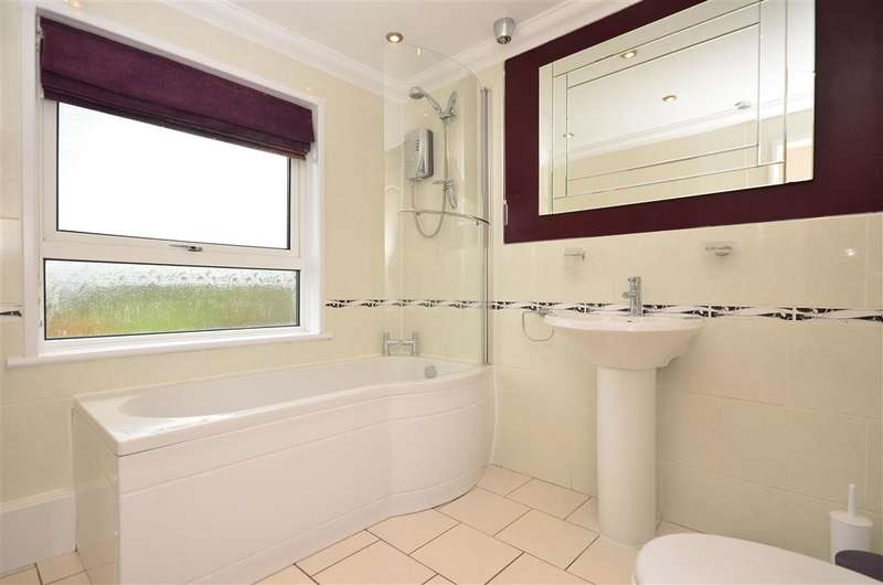 3 Bedrooms Semi Detached House for sale in Hillcrest Road, Rookley, Isle of Wight