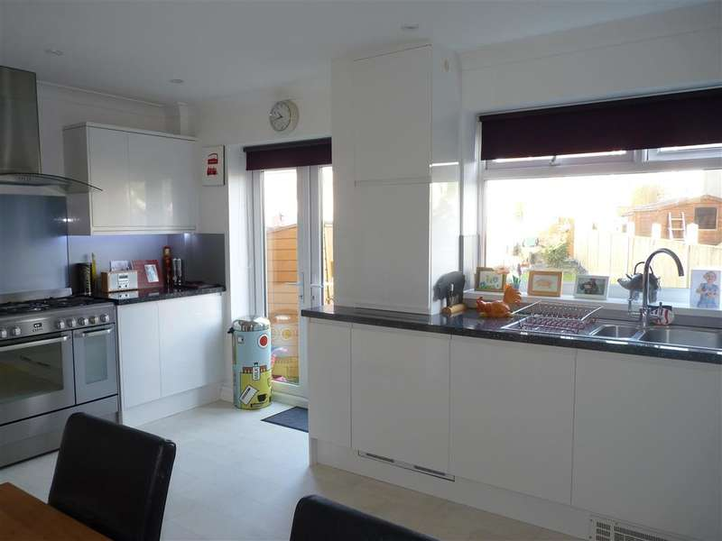 3 Bedrooms Terraced House for sale in Alfred Road, Dover, Kent