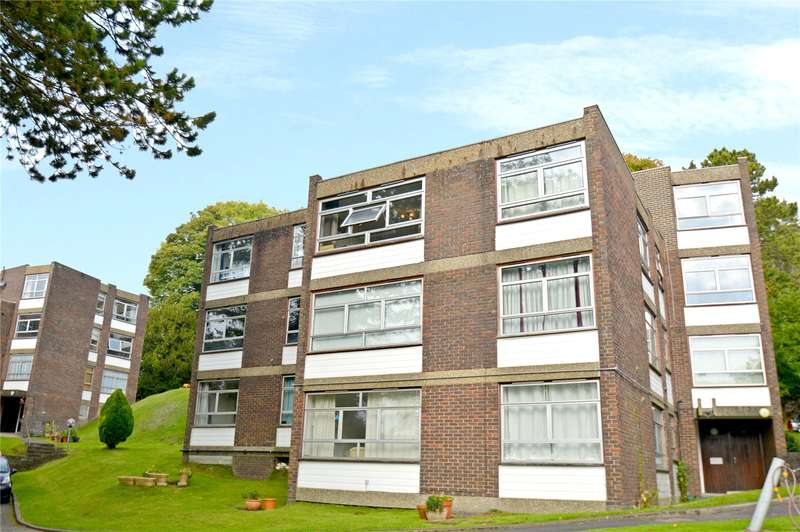 2 Bedrooms Apartment Flat for sale in Whyteacre, Court Bushes Road, Whyteleafe, Surrey