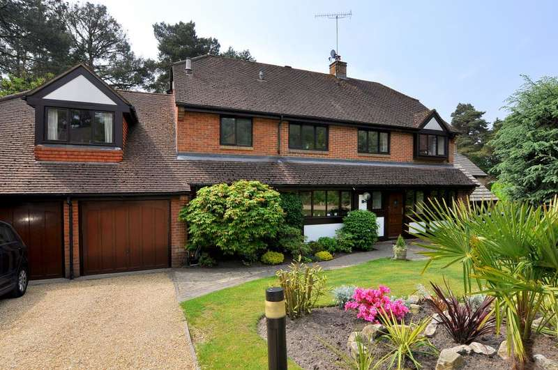 5 Bedrooms Detached House for sale in Ashley Heath, Ringwood, BH24 2DX