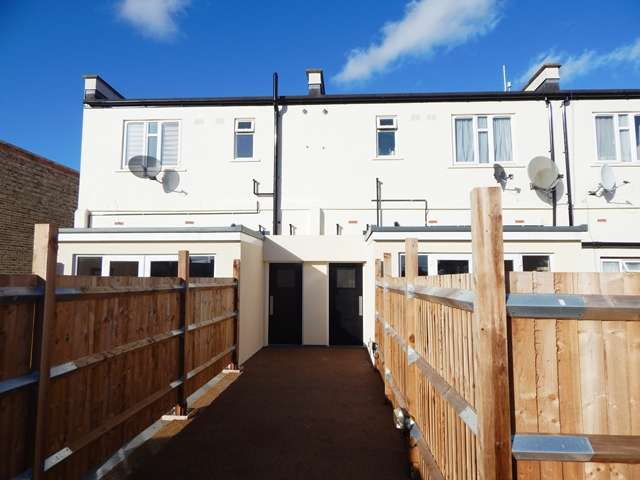 5 Bedrooms Detached House for sale in Lamberhurst Road, West Norwood, London, SE27