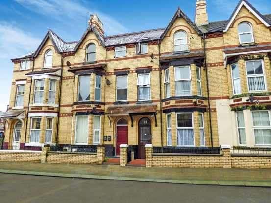 2 Bedrooms Flat for sale in John Street, Rhyl, Clwyd, LL18 1PW