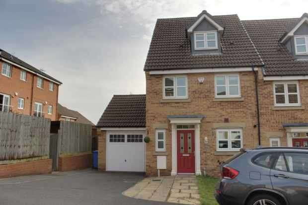 4 Bedrooms Property for sale in Highfields Park Drive, Derby, Derbyshire, DE22 1JU