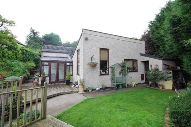 3 Bedrooms Detached Bungalow for sale in Silver Birches, Wrexham, Clwyd, LL11 5TT