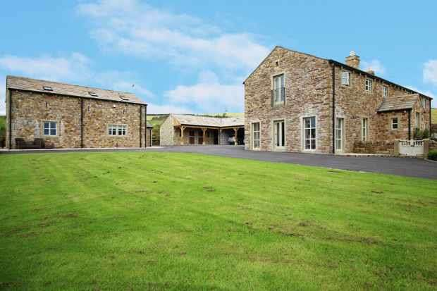6 Bedrooms Detached House for sale in Slaidburn, Clitheroe, Lancashire, BB7 4TW
