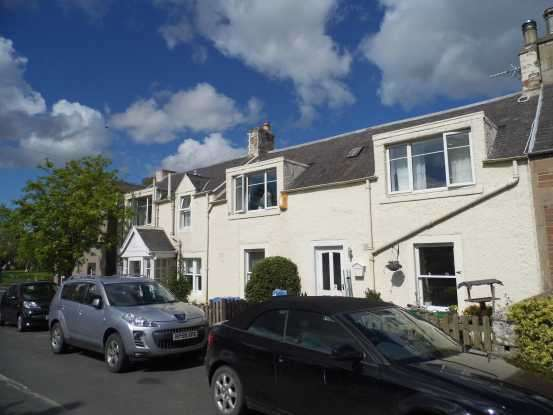 2 Bedrooms Cottage House for sale in Westgate, Denholm, Hawick, Scottish Borders, TD9 8LT