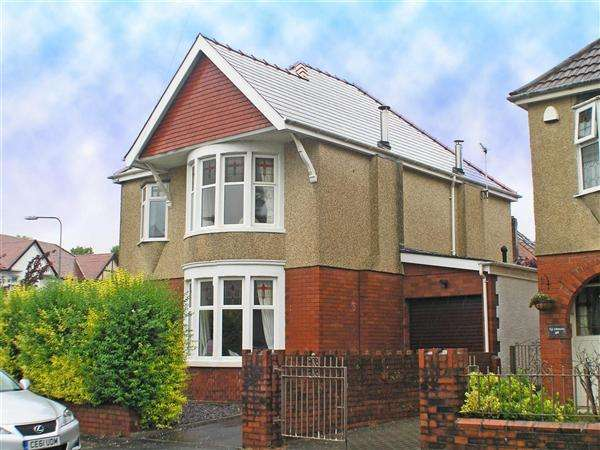 4 Bedrooms Detached House for sale in Pencisely Crescent, Llandaff