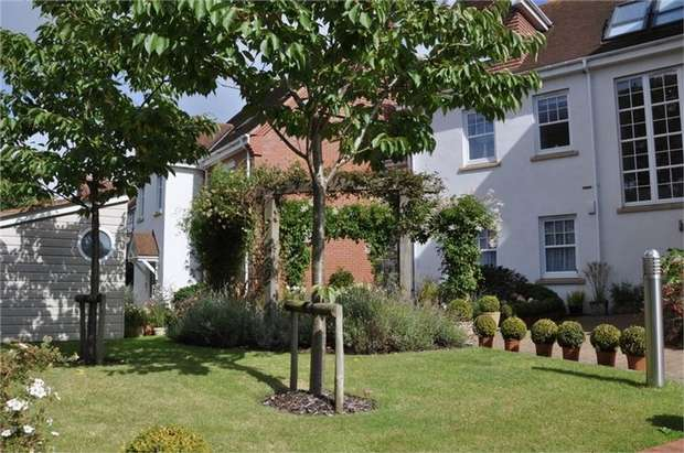 2 Bedrooms Flat for sale in Exmouth, Devon