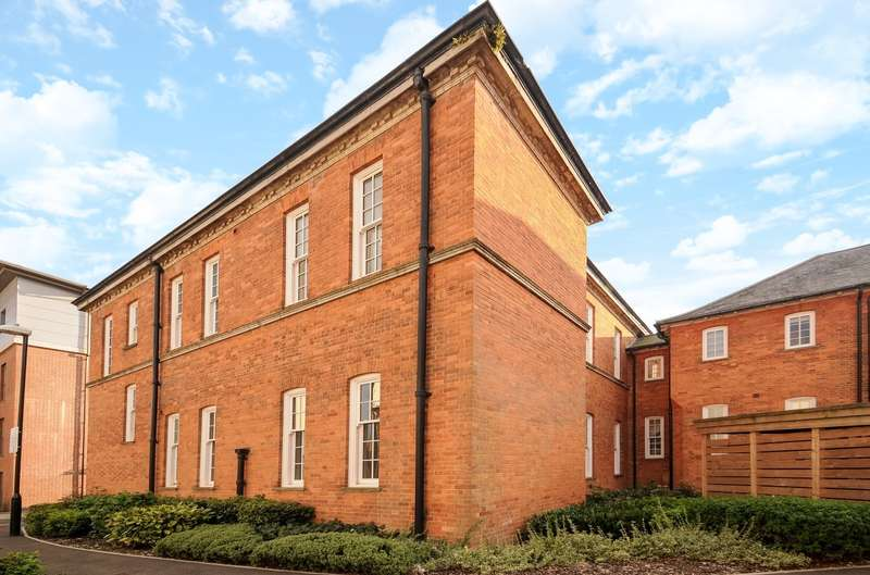 2 Bedrooms Flat for sale in Longley Road, Chichester, PO19