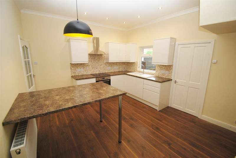 2 Bedrooms Terraced House for sale in Alexandra Road, Skegness