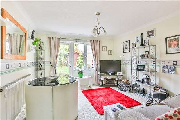 2 Bedrooms Terraced House for sale in Manor Road, WITNEY, Oxfordshire, OX28 3UE