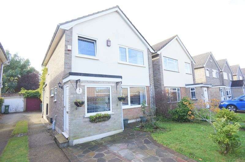 3 Bedrooms Detached House for sale in Langdon Shaw, Sidcup