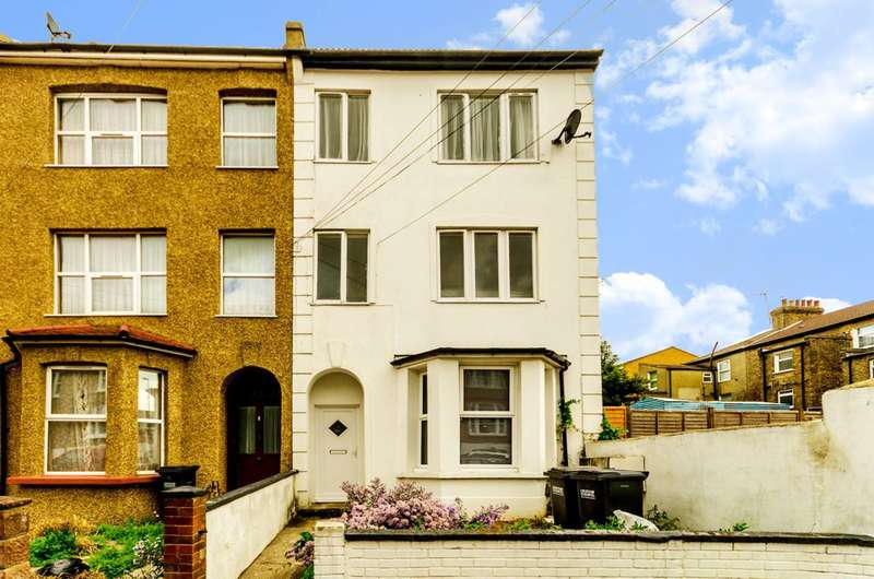 2 Bedrooms Flat for sale in Walters Road, South Norwood, SE25