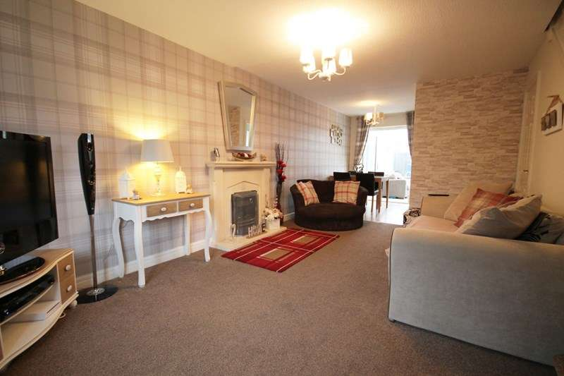 2 Bedrooms House for sale in Carnoustie, Beaumont Rise, Bolton, Lancashire.